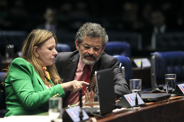 Senadores Vanessa Grazziotin (PCdoB/AM) e Paulo Rocha (PT/PA) denunciaram caso das teles ao STF