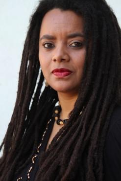 Crianças negras portadoras de anemia falciforme peregrinam mais pela rede de atendimento pública porque não são bem atendidas, diz a cientista social Carolina Montiel