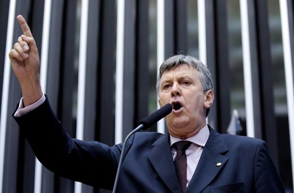 CNDH registrou discursos de Heinze, líder da Frente Parlamentar Agropecuária, de incitação à violência contra indígenas