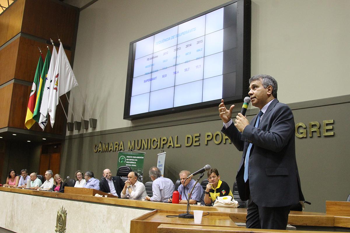 """César Machado, da Anfip: """"A Previdência não deve ser criminalizada"""""""