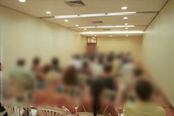 Assembléia ocorrida na sede do Sinpro/RS no último dia 22 de fevereiro reuniu um grande número de professores indignados com os atrasos