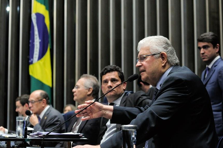 Requião diz que não aceitará a pressão de propostas corporativistas, mas que acatará sugestão de Moro