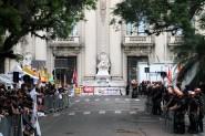 O Parlamento gaúcho sitiado durante votação do pacote: