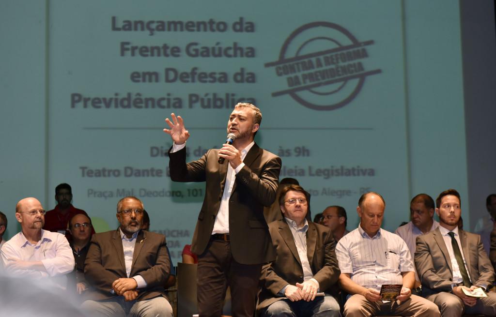 Presidente da Assembleia Legislativa, Edegar Pretto, afirma que aqueles que defendem a reforma estão contra os trabalhadores