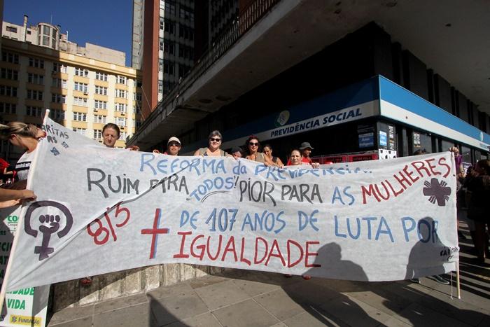 Marcha das Mulheres, no dia 8 de março, em Porto Alegre, contra a Reforma da Previdência