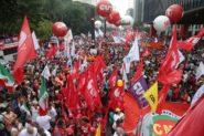 Manifestação contra mudança do sistema de Previdência, na Paulista, em março deste ano   Foto: Paulo Pinto / AGPT
