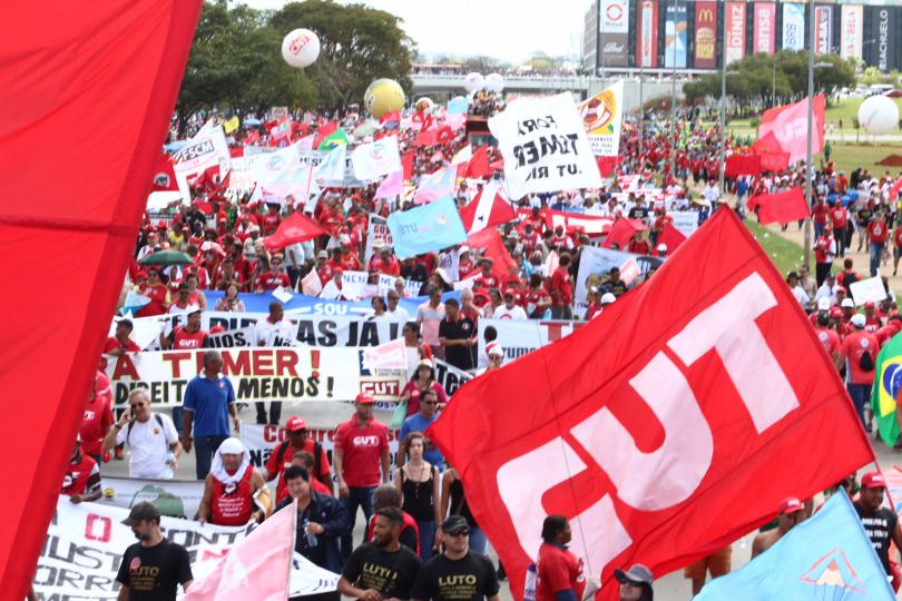 Marcha foi pacífica até ação de repressão policial iniciar na parte da tarde