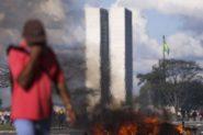Brasília - Centrais sindicais realizam manifestação em Brasília. (Marcelo Camargo/Agência Brasil) | Foto: Marcelo Camargo/Agência Brasil