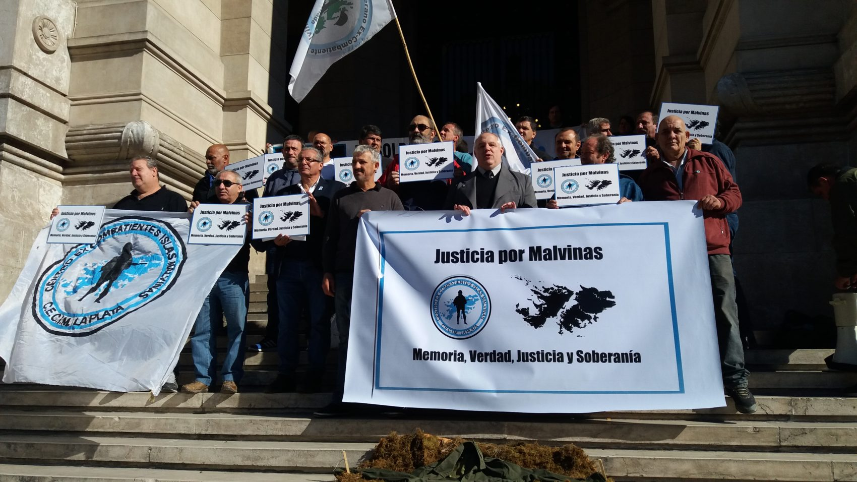 Delações da Odebrecht, corrupção e violações a direitos humanos permeiam as manifestações de protesto em busca do fim da impunidade