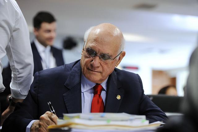 O senador gaúcho Lazier Martins (PSD), aliado de Temer, que vota contra os trabalhadores