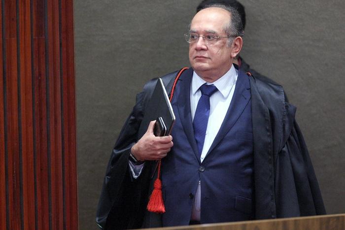 Ex-procurador da República acusa ministro Gilmar Mendes por crimes de responsabilidade e falta de decoro por atividades parlamentares, relações e negócios com investigados