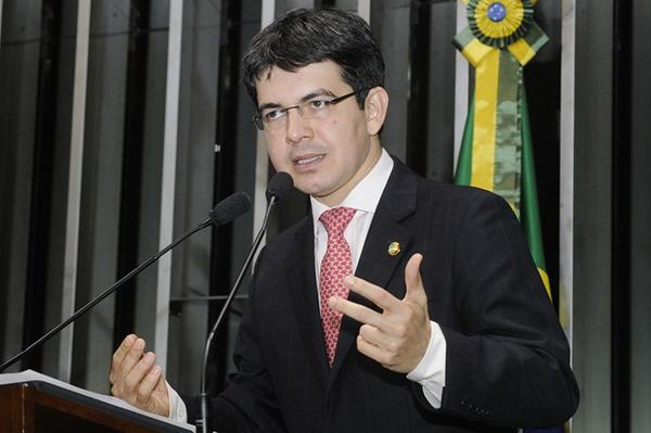 """Rodrigues denunciou no Senado que o governo comprou votos dos deputados da CCJ: """"cada um custou, em média, R$ 10 milhões"""""""