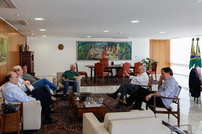 Articulação no Jaburu: Temer reuniu presidentes da Câmara e do Senado e ministros no domingo