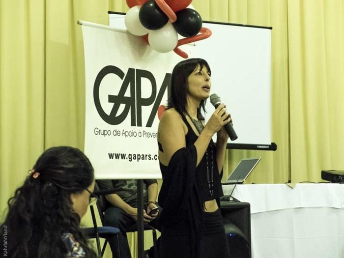 """Carla: """"As pessoas ainda buscam invisibilidade por causa do preconceito, por isso entidades como o Gapa são importantes, porque dão voz para quem quer ficar invisível"""""""