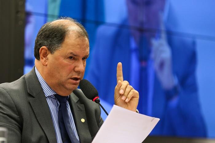 Deputado Alceu Moreira (PMDB) tem 40 citações de gastos suspeitos, entre as quais uma estadia em balneário paradisíaco, onde aproveitou para encher o tanque do automóvel com recursos público