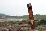 Estouro da barragem aniquilou cidades inteiras na região, como Bento Rodrigues, reduzida a escombros e um marco na Estrada Real | Foto: Igor Sperotto
