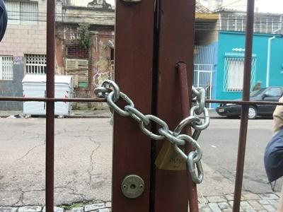 Reintegração do prédio pela Justiça impediu o acesso documentação sigilosa referente à condição sorológica de mais de 10 mil pessoas