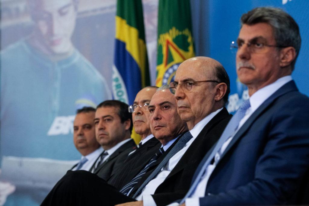 Rogério Marinho, Ronaldo Nogueira, Eliseu Padilha, Michel temer, Henrique Meirelles, e Romero Jucá
