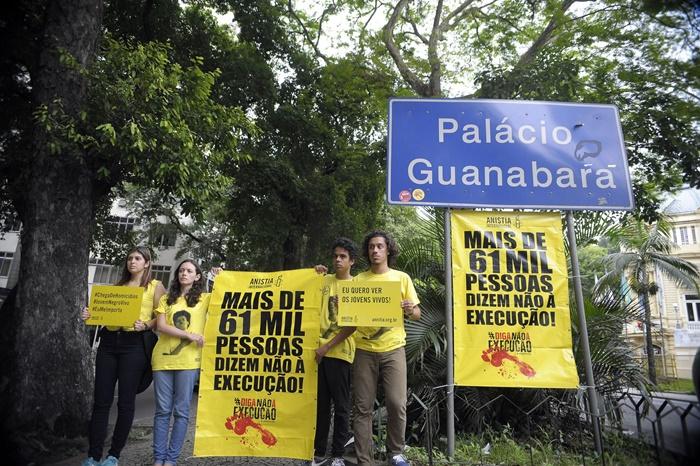 Ato da Anistia Internacional denuncia violência contra minorias