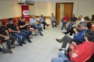 Organização do movimento definiu campanha de mobilização para a greve, que terá grande ato no centro de Porto Alegre e abraço simbólico ao prédio do INSS   Foto: Renata Machado/ CUTRS