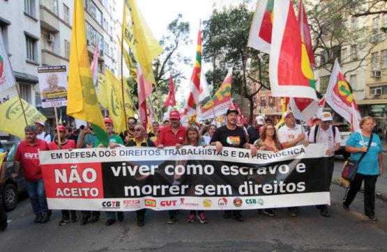 Protesto contra reformas | Foto: Igor Sperotto