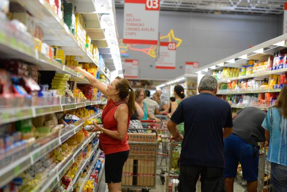 De acordo com o Dieese, salário mínimo deveria ser de R$ 3.731,39
