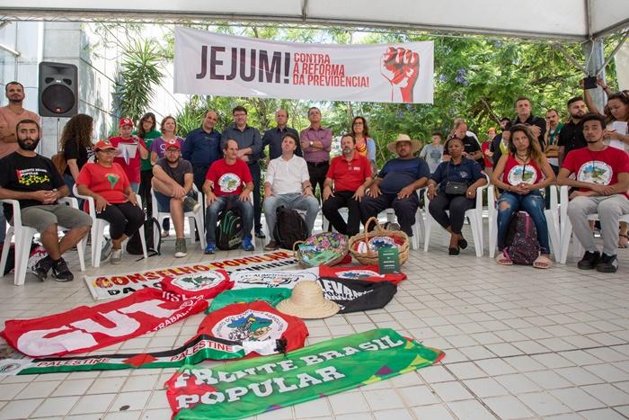 Greve de fome contra a reforma da Previdência mobilizou movimentos sociais e parlamentares na manhã desta quarta-feira na Assembleia Legislativa do RS