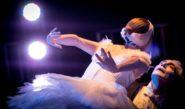 Ana Botafogo e Luis Arrieta, no espetáculo 'O Cisne', na Virada Cultural 2014, Palco Anhangabau | Foto: Paulo Liebert/ Milenar Imagem/ Divulgação