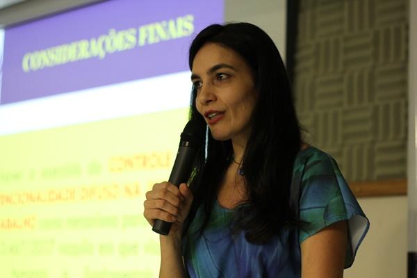"""Simone Franco: """"Os trabalhadores devem invocar o princípio constitucional e os tribunais devem afastar aquilo que violar os direitos fundamentais dos trabalhadores"""""""