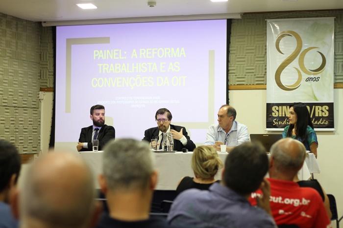 """Painel """"A Reforma Trabalhista e as Convenções da OIT"""", foi realizado dia 15, no Espaço de Eventos do Sinpro/RS"""