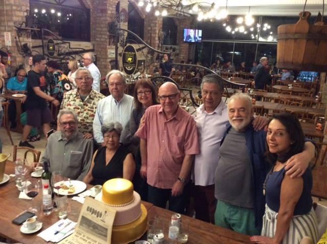 Parte da equipe que fundou o jornal reuniu-se em dezembro para comemorar os 60 anos do Exemplar: Juarez Fonseca, Ademar Vargas de Freitas, Sergio Becker, Ricardo Barreto, Sônia Azambuja, Fraga, Santiago e Renato Rosa