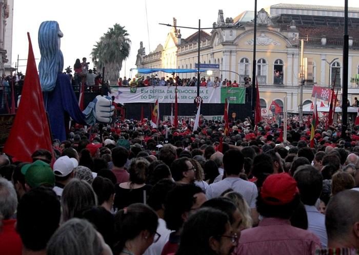 Ato na Esquina Democrática reuniu cerca de 80 mil pessoas para ver e ouvir Lula