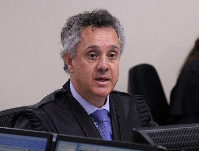 Após mais de três horas, relator João Pedro Gebran Neto manteve decisão de seu colega de primeira instância e ainda pediu aumento da pena