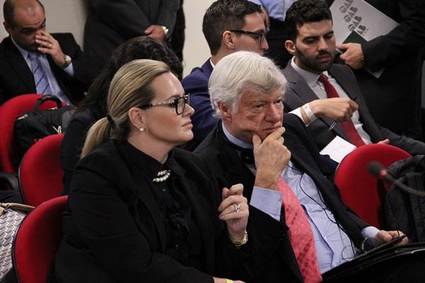 Valeska Teixeira Martins e o britânico Geoffrey Robertson, advogados de Lula que em 2017 denunciaram ao Alto Comissário das Nações Unidas para os Direitos Humanos da ONU os abusos do juiz Sergio Moro, da Lava Jato, acompanharam o julgamento