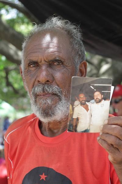 Eleitor exibe foto com o conterrâneo que estava sendo julgado