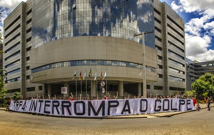 Julgamento de Lula em Porto Alegre sob pressão dos movimentos sociais e de observadores internacionais