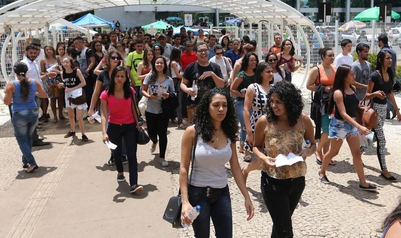 Novo Fies impede acesso de jovens ao ensino superior