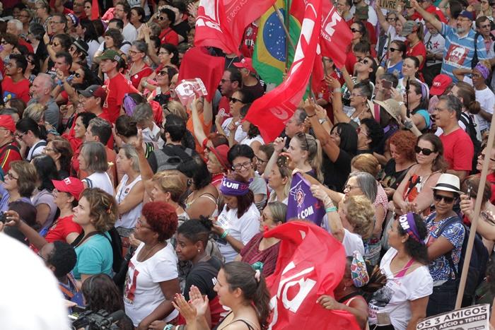 Ato público reuniu representantes dos mais diversos movimentos sociais