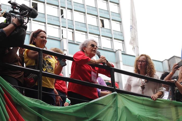 """A socióloga e ex-ministra da Secretaria de Políticas para as Mulheres, Eleonora Menicucci lembrou que """"coube às mulheres a defesa incessante da democracia e de dizer não ao golpe no Brasil"""""""