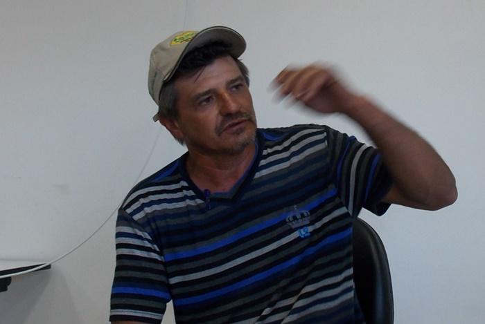 Pequenos produtores pagam a conta com endividamento, desemprego e desestruturação das famílias no campo, diz o orizicultor Kochenborger