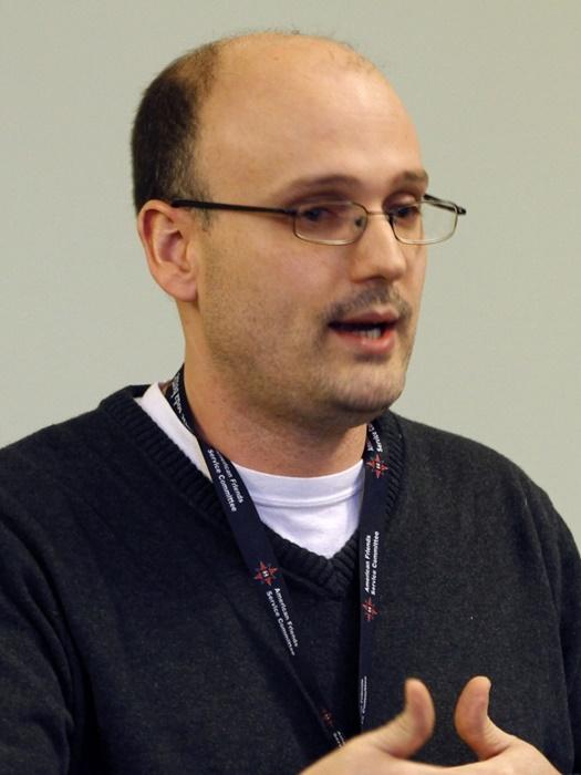"""Lotze, diretor da AFSC: """"resistência não violenta contra a violência e a opressão em todo o mundo, incluindo a Palestina"""""""