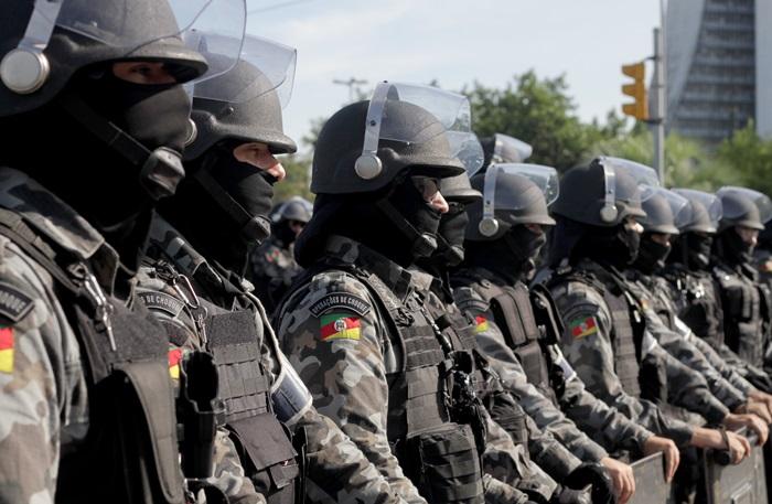 Apesar da presença ostensiva de soldados das polícias de Choque a Montada, bloqueios de avenidas com viaturas e blindados e sobrevôos de helicópteros nos bairros próximos ao Centro Histórico, não houve registro de violência