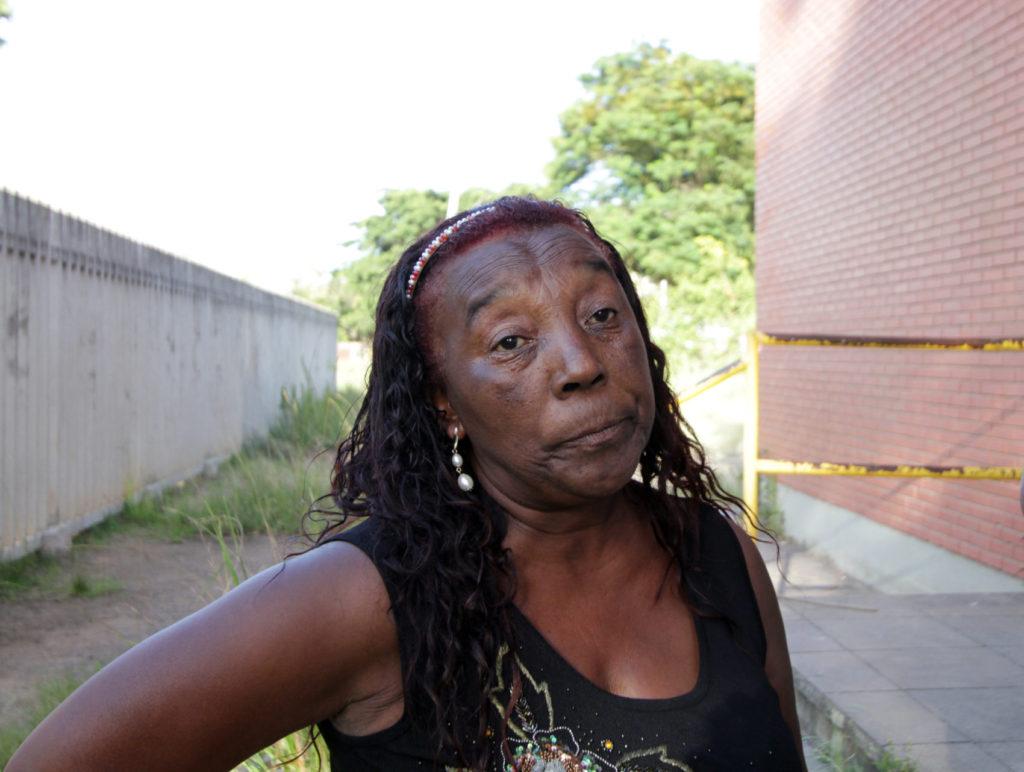 """""""Minha neta de 12 anos veio do Venezuela para cá justamente por causa dos casos de violência. Agora vai ter que passar tudo de novo?"""", questiona a aposentada Adélia Azeredo Maciel"""