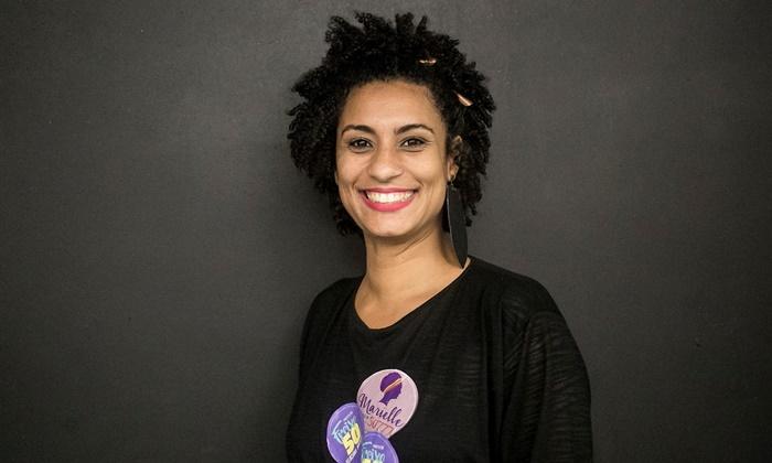 Vereadora e ativista de direitos humanos e do movimento negro, Marielle foi executada a tiros em uma emboscada no Rio, após denunciar ações violentas da PM contra moradores das favelas