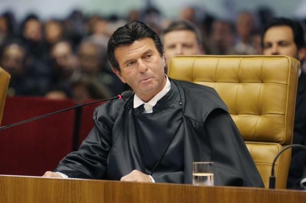Ministro Luiz Fux, do STF, estendeu o auxílio moradia a todos os juízes do Brasil