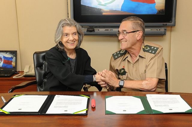 Carmen Lúcia, Presidente do STF e o comandante do Exército, General Villas Boas