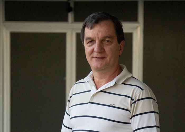 """""""O contrato social pelo qual o Estado garante a segurança e o cidadão recua em sua autodefesa nunca funcionou no Brasil"""", diz Sobottka"""