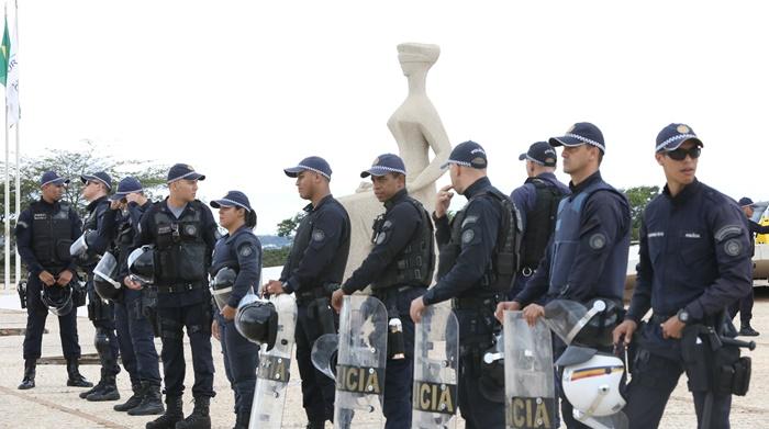 Julgamento de habeas corpus do ex-presidente Lula pelo STF, sob forte aparato policial: o país sob o efeito das rupturas institucionais