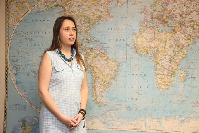 Um terço dos agrotóxicos vendidos no Brasil foram banidos pela União Europeia, alerta Larissa, pesquisadora da USP