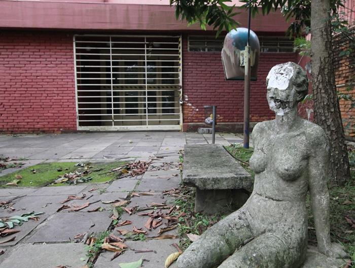 A situação mais dramática é do icônico Teatro de Câmara, na Rua da República, fechado desde 2014